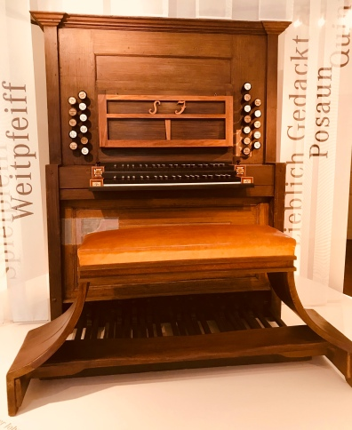 bach organ console - bach museum